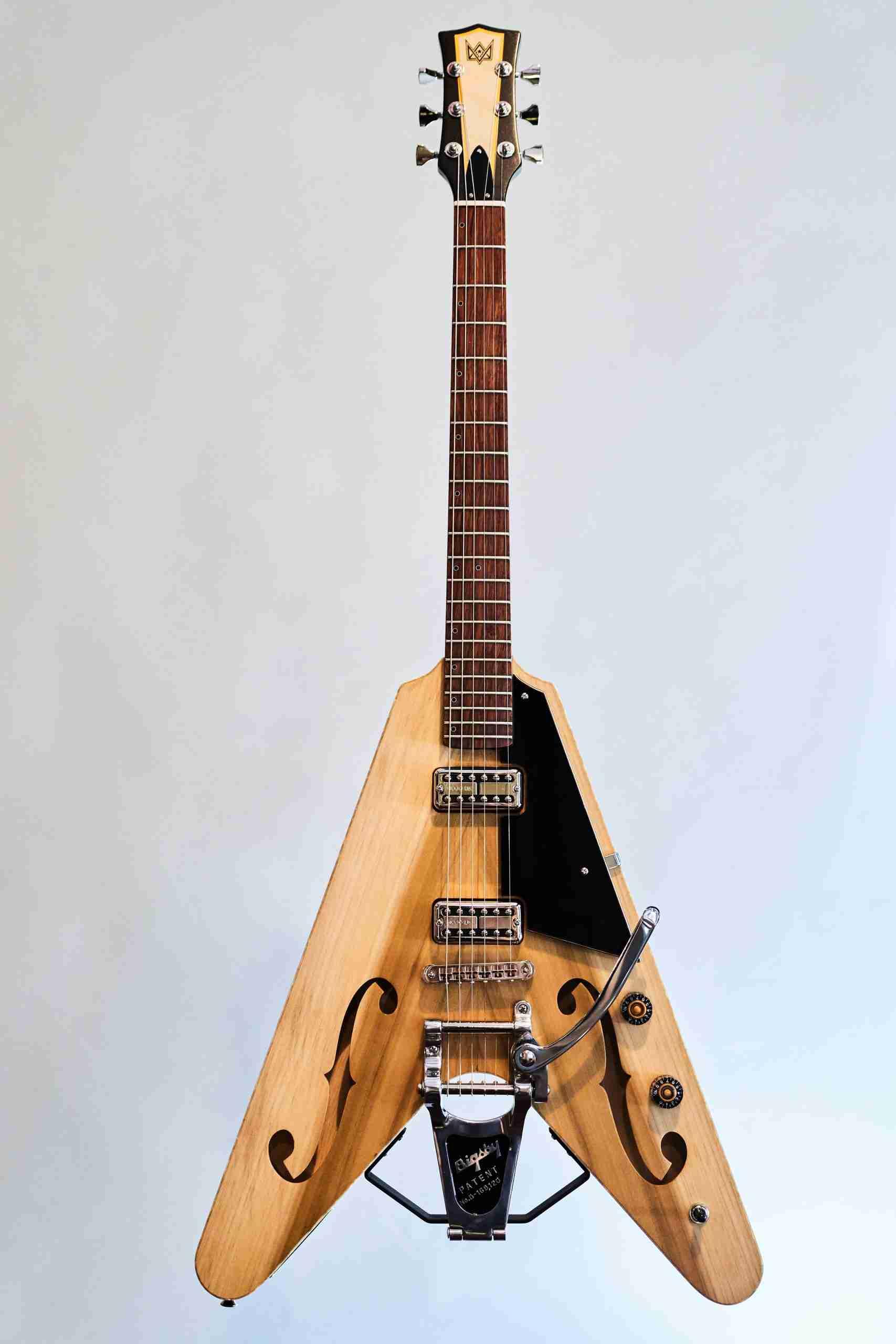 BlastCult_Hollow_Vee_Guitar_00101